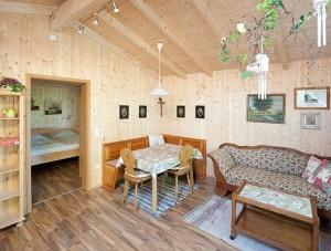 FeWo Loher - Wohnung G - Wohn-/Essbereich